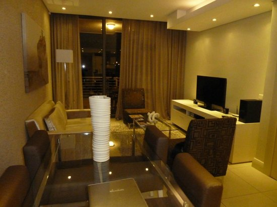 Lawhill Luxury Apartments: The living room (at night)