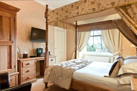 The Howbeck : Luxury 4 Poster room