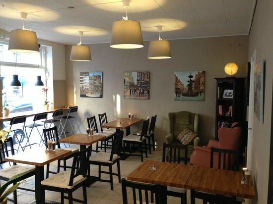 Cafe Ørstrup: Caféen