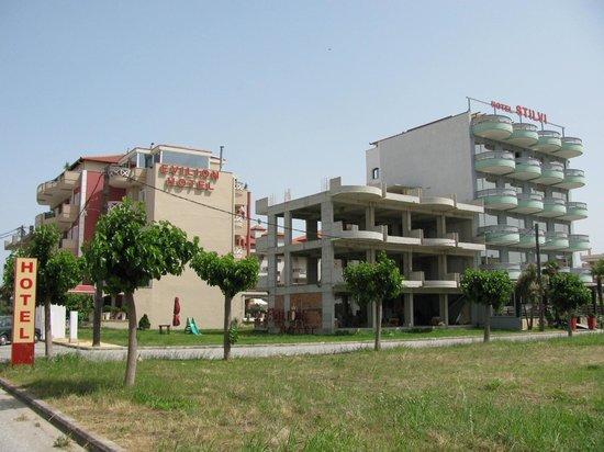 Evilion Sea & Sun Hotel: Construction next to hotel