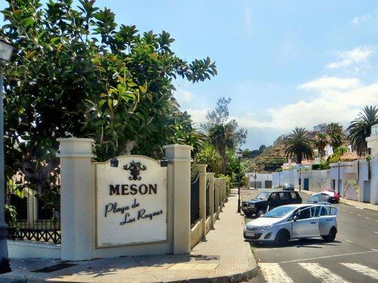Apartamentos Playa De Los Roques: Anlage mit freiem Parken