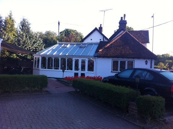 Boxmoor Lodge Hotel: The reception and restaurant/ dining area.