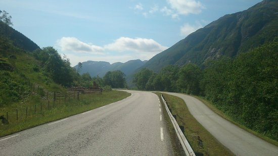 The Three Fjord Ride: on the road close to vetlefjorden
