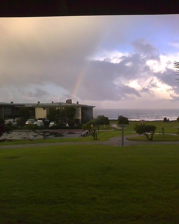 Cavalier Oceanfront Resort: Rainbow