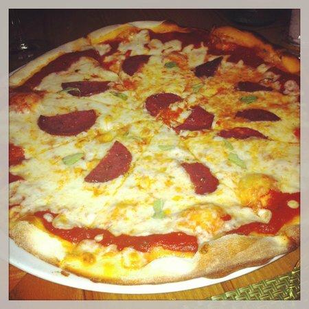La Cuccina : pepperoni pizza - awsome!