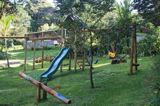 Los Pinos - Cabanas y Jardines: Playground for kids
