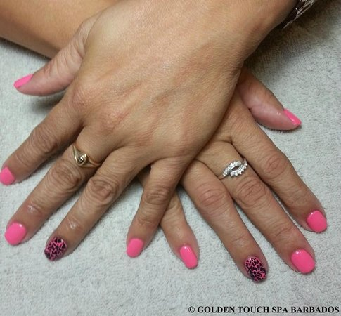 Golden Touch Spa Barbados : Gel Polish with Stencil Decoration on Ring Fingers