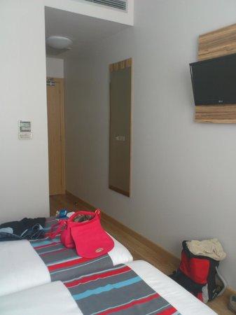 Travelodge Madrid Alcala : habitación