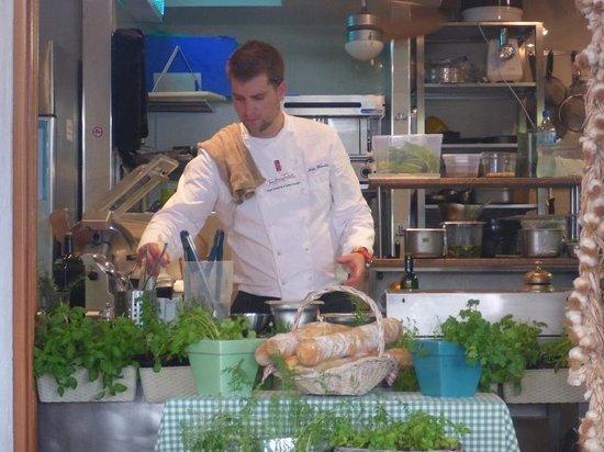 Restaurant Bugenvila: Åpent kjøkken