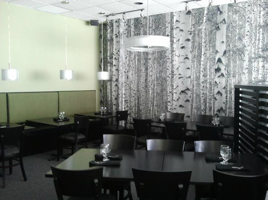 The Silver Birch: They dinning room is warm and inviting