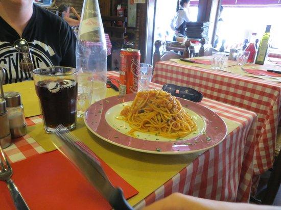 Ristorante Pizzeria Ai Sportivi: Bucatini amatriciana