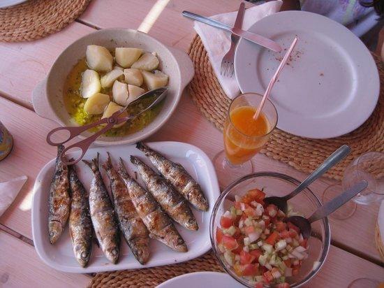 Restaurante O Luar da Foia: Este foi o prato escolhido por mim, que adooooooro sardinhas!!!