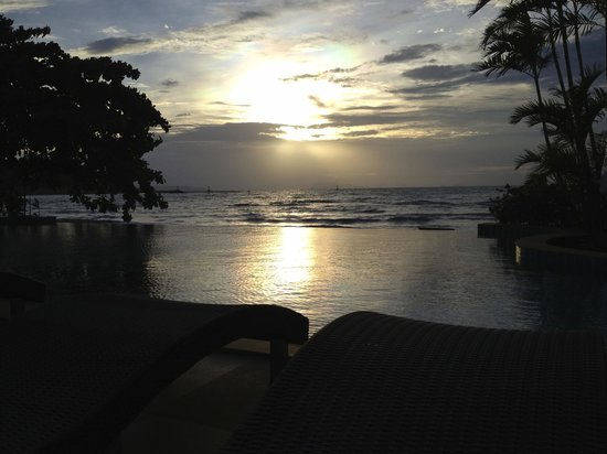 Sea Valley Hotel and Spa: Breathtaking sunsets...