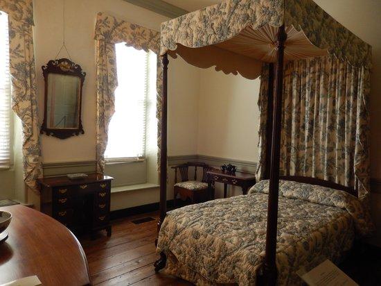 Heyward-Washington House : A bedroom on the second floor