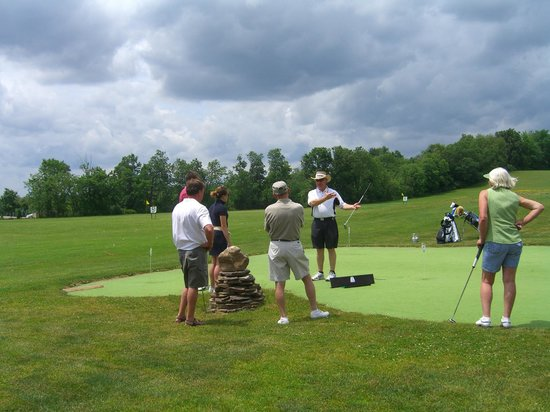 Tee to Green Golf Center : PGA Golf Instructor, Gary Sohosky hosts private lessons and golf clinics for all ages.