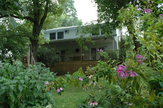 Linnaea Gardens Guest House: getlstd_property_photo