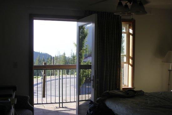 Kintla Lodge : Out the balcony door