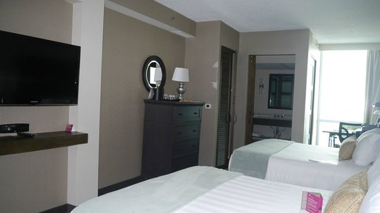 Crowne Plaza Charleston Airport Convention Center: Room