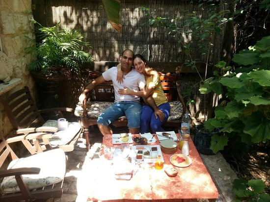 Pina Balev : Breakfast in the private garden outside the suite