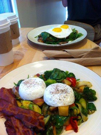Peach's Corner Cafe: Far Table and Garden eggs (bacon extra)