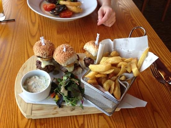 Swan Inn: trio of burgers which were amazing!!