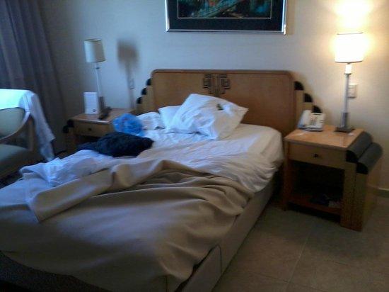 Ramada Santo Domingo Princess Hotel: Bedroom