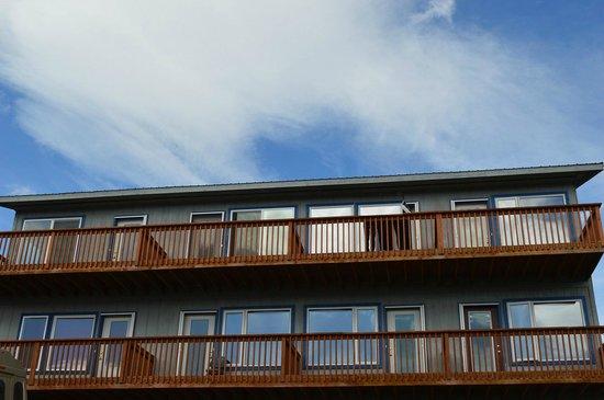 Denali Lakeview Inn : Top two floors - all has lake view