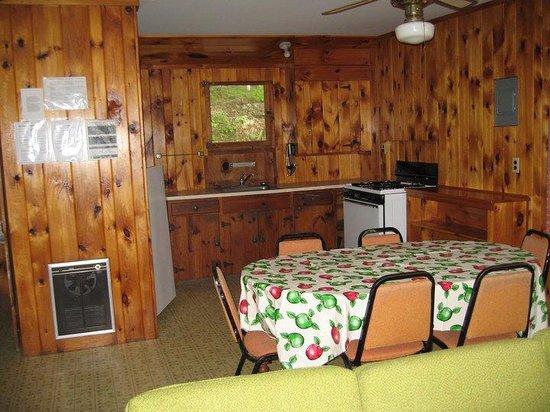 Aalsmeer Motel & Cottages : Inside the cottage