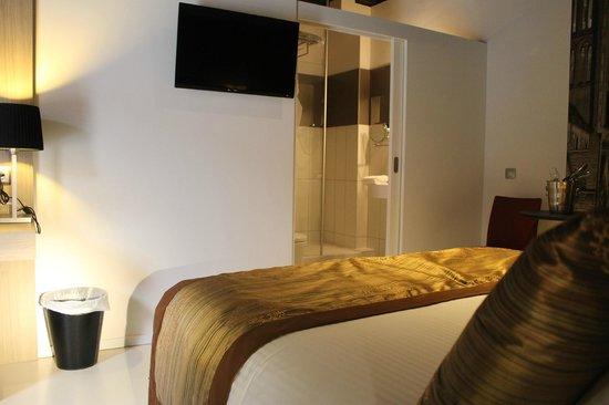 Hotel de Flandre: FORMIDABLE♫☼