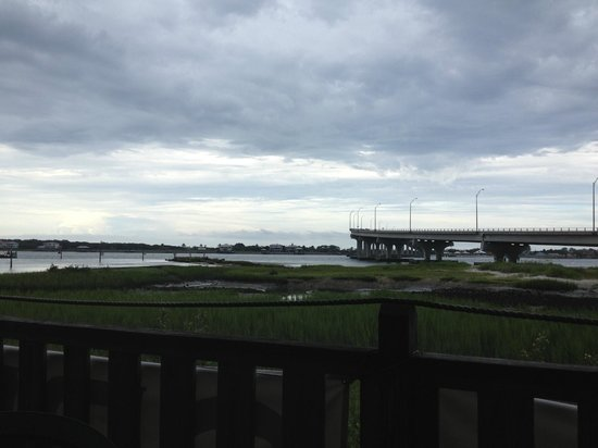 Kingfish Grill: View of the Vilano Bridge from our table outside.