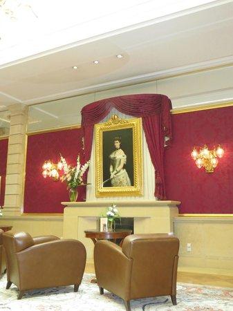 Kaiserin Elisabeth: lobby with Kaiserin Sissi
