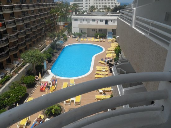 Coral California: View of the pool area from balcony