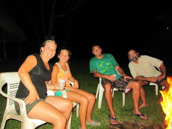 Jungle Land Panama Floating Lodge: Bonfire after a nocturnal safari