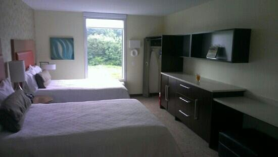 Home2 Suites by Hilton Baltimore / White Marsh: Nice room, very spacious