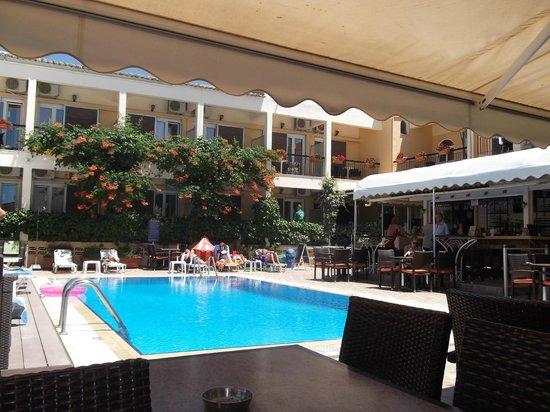 Hotel Telesilla: rooms overlooking the pool