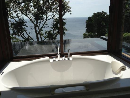 Paresa Resort Phuket : Baignoire, piscine privée, mer...