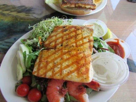 Obama ono sandwich picture of paia fish market paia for Fish market maui