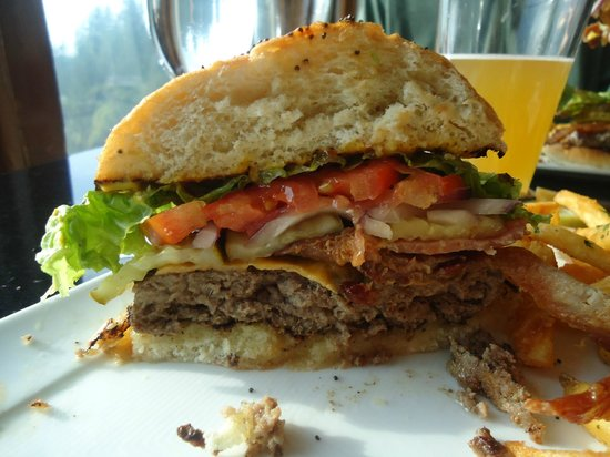 The Attic at Salish Lodge & Spa : Snake River Farms Burger