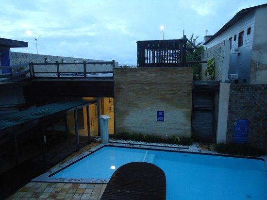Yak Hotel Natal: Vista do apto 107 - dia de chuva