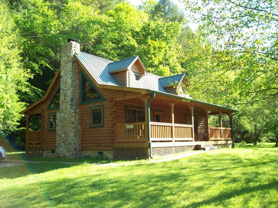 Telliquah Falls Log Cabins: Creekside Melodies Cabin