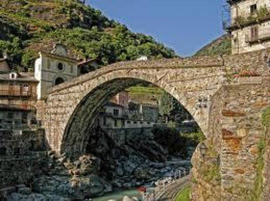 Il ponte romano di Pont-Saint-Martin