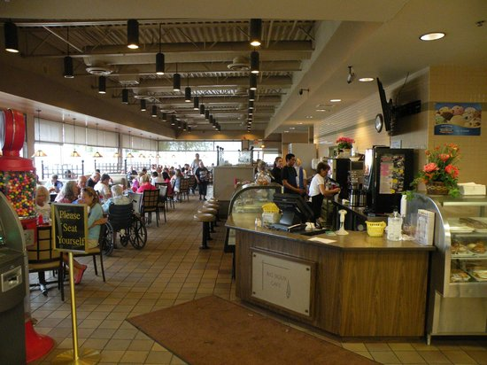 Big Sioux Cafe: Inside