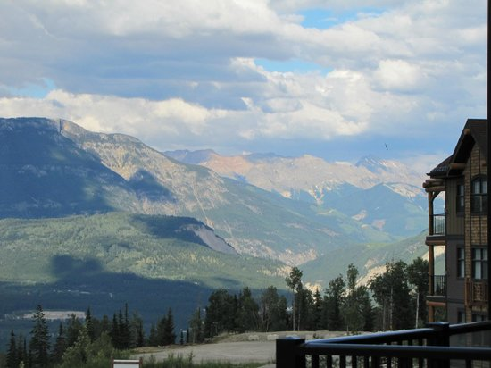 Glacier Mountaineer Lodge - Bellstar Hotels & Resorts: View from our room