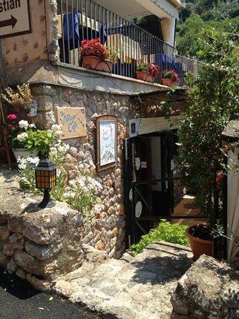 The Village Cafe : Legg til en bildetekst