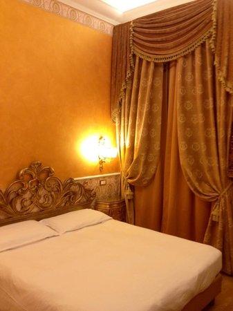 Veneto Palace Hotel: Room