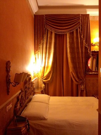 Veneto Palace Hotel: Bedroom