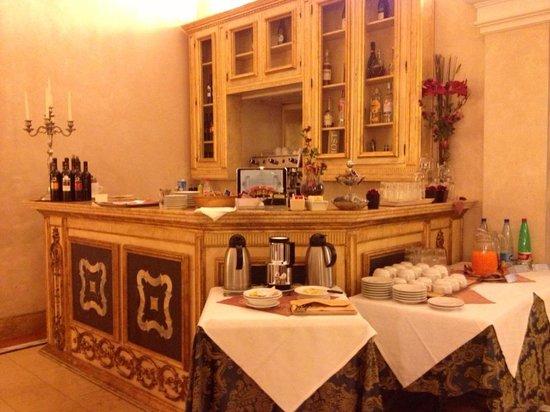 Veneto Palace Hotel : Breakfast (not all)