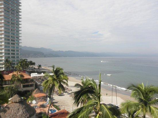 Crown Paradise Golden Resort Puerto Vallarta: vista del cuarto;