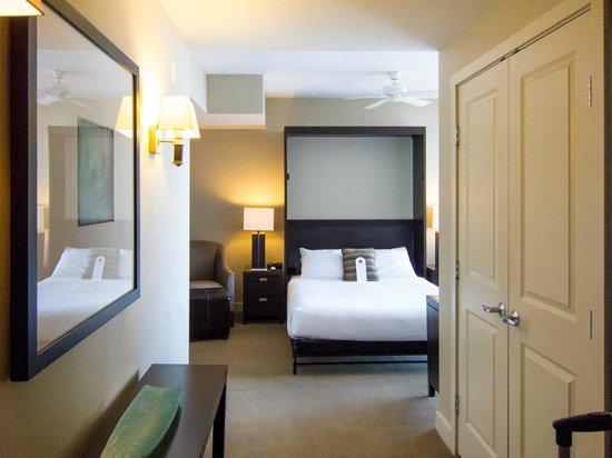 The Oswego Hotel: Entry