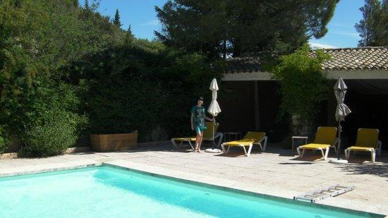 Garrigae Abbaye de Sainte Croix : Large and inviting swimming pool